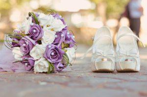 roses_bouquets_stilettos_349995